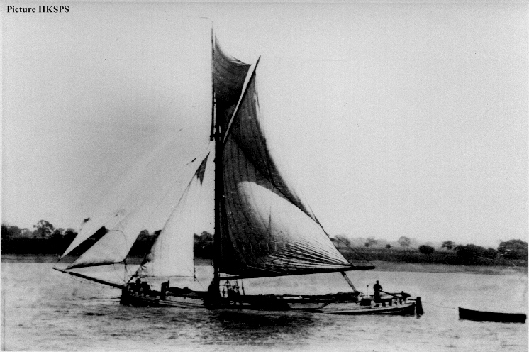 Humber Sloop Hydro Under Sail